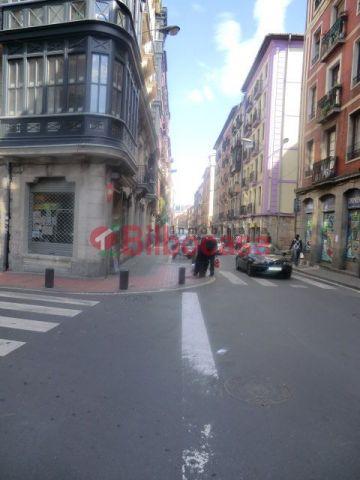 Piso en Venta Casco Viejo, Zona Plaza Bilbao la Vieja, 90 m², entrar a vivir, posibilidad de ascensor.