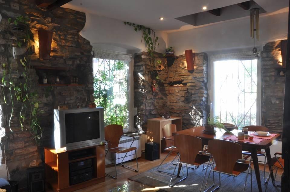 Preciosa casa totalmente reformada con jardín.