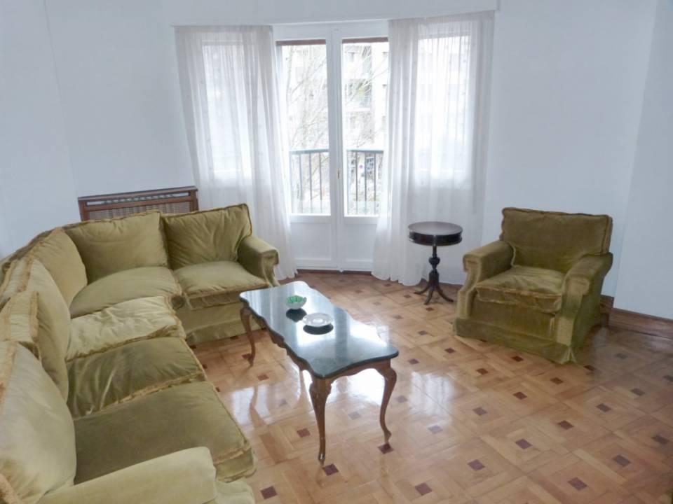 Eustasio Amilibia, vistas despejadas. Piso de salón y 4 habitaciones dobles exteriores; 3 baños reformados; cocina-comedor y 5ª habitación de servicio
