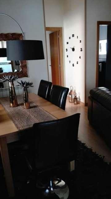 Agradable piso de 3 habitaciones,en esquina, totalmente exterior. Completamente reformado.