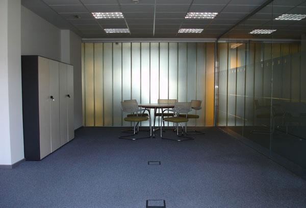 Oficina instalada donostia portuetxe igara ibaeta for Alquiler oficina donostia