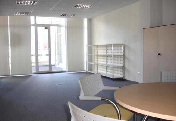 Alquiler oficinas portuetxe donostia igara ibaeta san for Alquiler oficina donostia