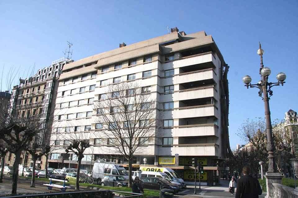 Alquiler oficina centro san sebasti n g36364 for Oficina dni donostia