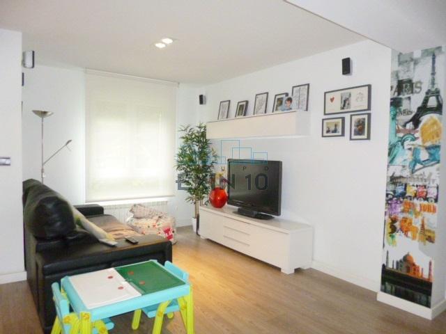 Amara en Morlans en un entorno tranquilo y agradable venta de Caprichoso piso Totalmente Exterior con Terraza, trastero en bajo cubierta, parking exterior y Garaje cerrado de 27 m².