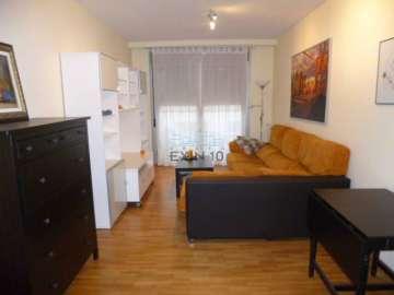 Donostia-San Sebastián, al principio de Riberas de Loiola en un barrio nuevo se vende vivienda de dos habitaciones amueblada con raya de garaje.